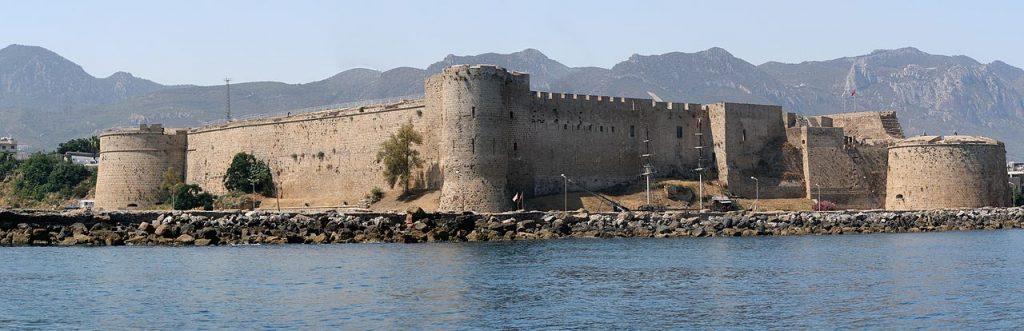 cypr24-eu-krolowie-cypryjscy-twierdza-w-kyrenii-zrodlo-www-wikimedia-org-3