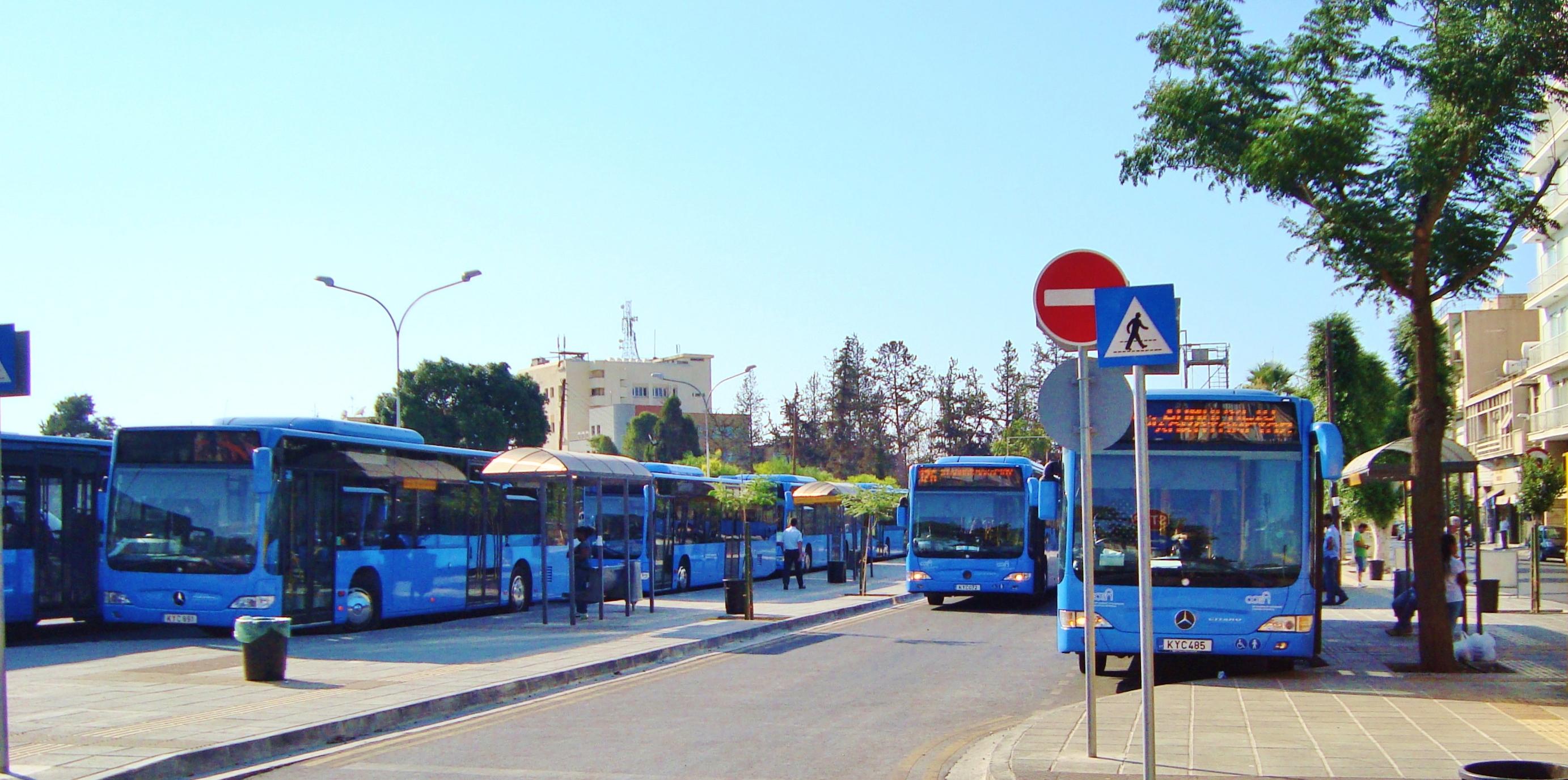 Nowy tabor, przystanki i pętle autobusowe.