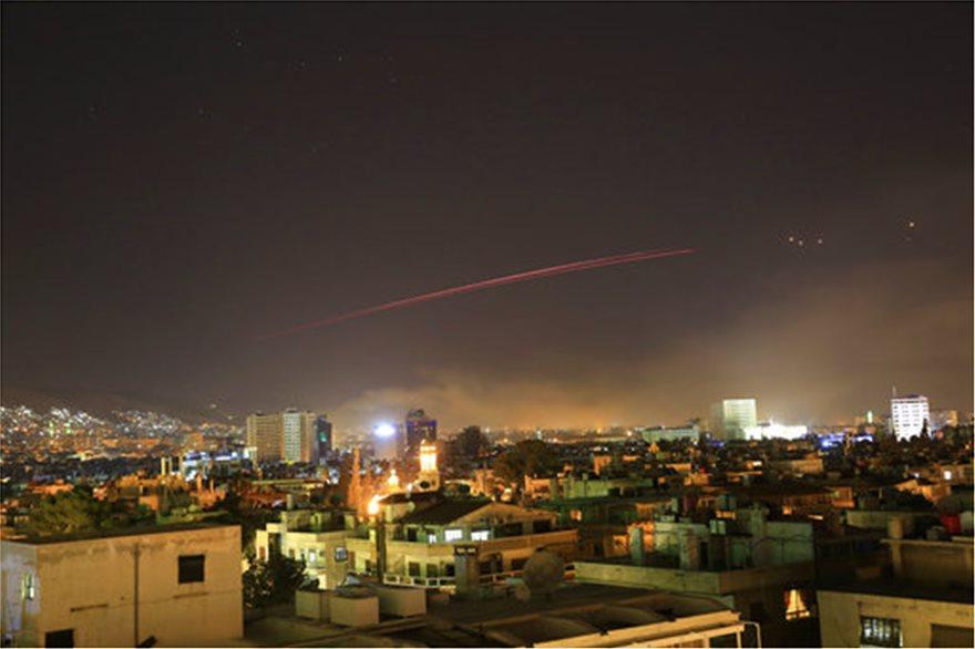 USA, Francja i Wielka Brytania zaatakowały Syrię - użyto bazy w Akrotiri (video)