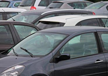 Zaparkuj i leć – tani i bezpieczny parking w Larnace
